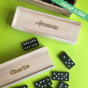Gegraveerde schuifdoosje met dominospel